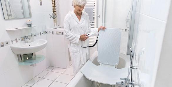 beweglich_Badewannenlifter_Badehilfsmittel